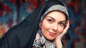 بی تابی خانواده آزاده نامداری در مراسم تشییع+ فیلم