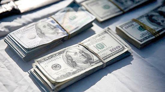 سورپرایز دلار برای نوسانگیران