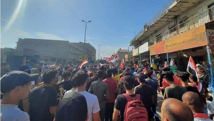 انفجار بمب صوتی و تیراندازی در میدان التحریر بغداد