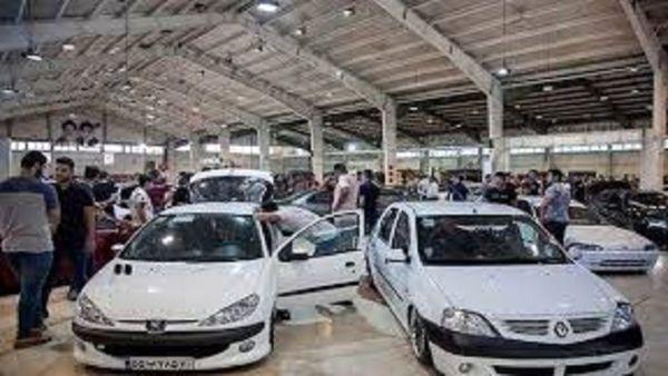 قیمت روز خودروهای داخلی و وارداتی در بازار
