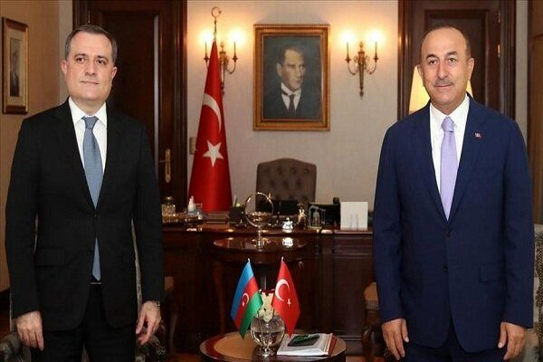 رایزنی تلفنی وزرای خارجه ترکیه و جمهوریآذربایجان