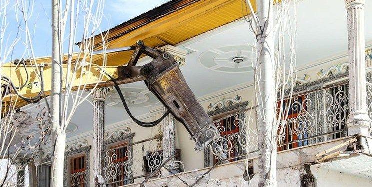 تخریب دو ویلای غیرمجاز دو مسئول در فیروزکوه