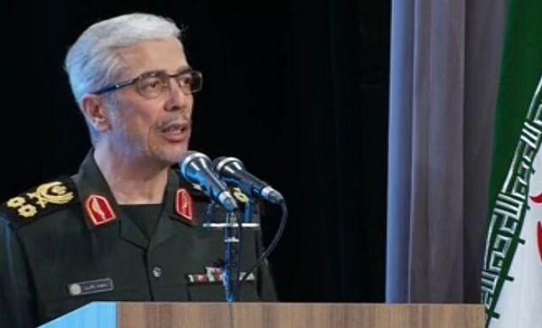 سرلشکر باقری: نیروی دریایی ارتش رویای استکبار جهانی و قدرت های فرا منطقه ای را باطل کرد