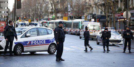 حمله مسلحانه به یک پلیس زن!
