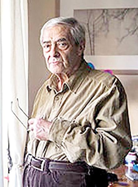 احمدرضا احمدی جایزه شعر خبرنگاران را گرفت