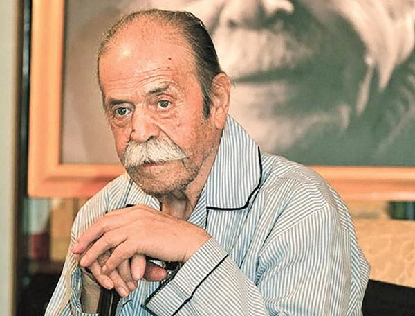 اهدای یادگاریهای محمدعلی کشاورز به موزه سینما